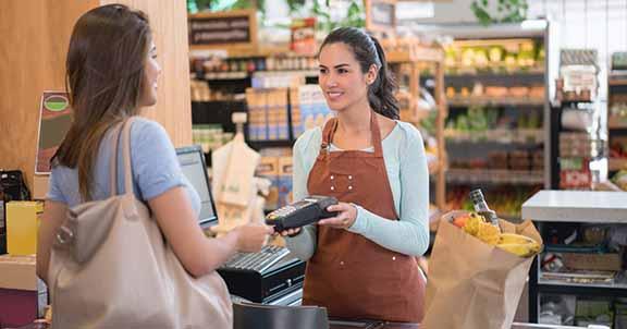 Zufriedene Kunden dank Kassensystem SAP Customer Checkout